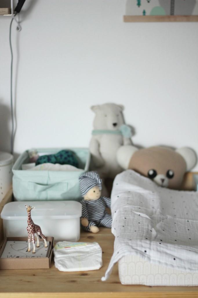 Wochenbett mit zwei Kindern